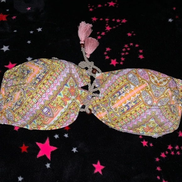 Victoria's Secret Other - NWOT Victoria's Secret bikini top